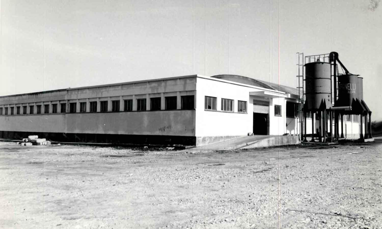 1960 - Veduta esterna ampliamento e sylos per sansa