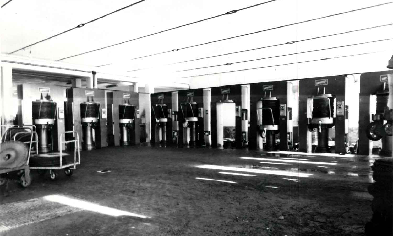 1960 - Frantoi a molazze / Dosatori automatici / Presse preparatorie / Presse idrauliche